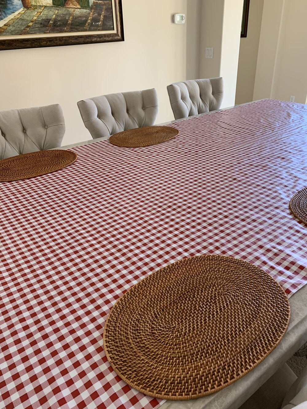red and white gingham cloth, rattan placemats