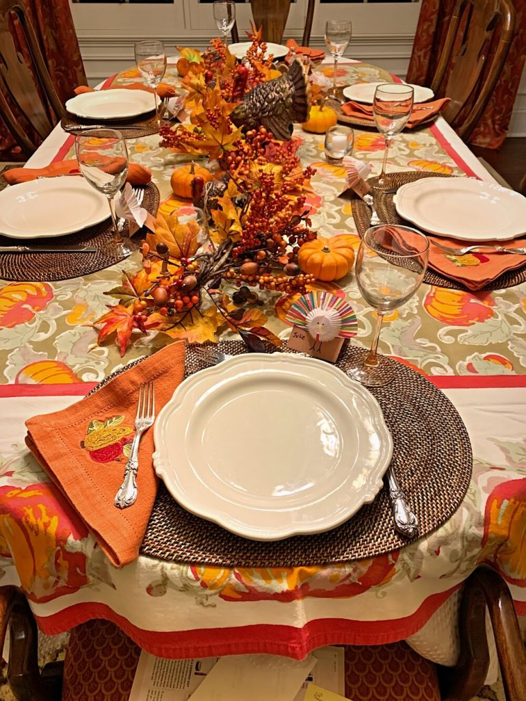How to Create a Thanksgiving Tablescape