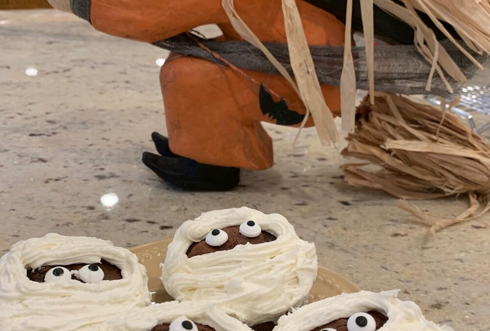 Spooky Mummy Cupcakes for Halloween