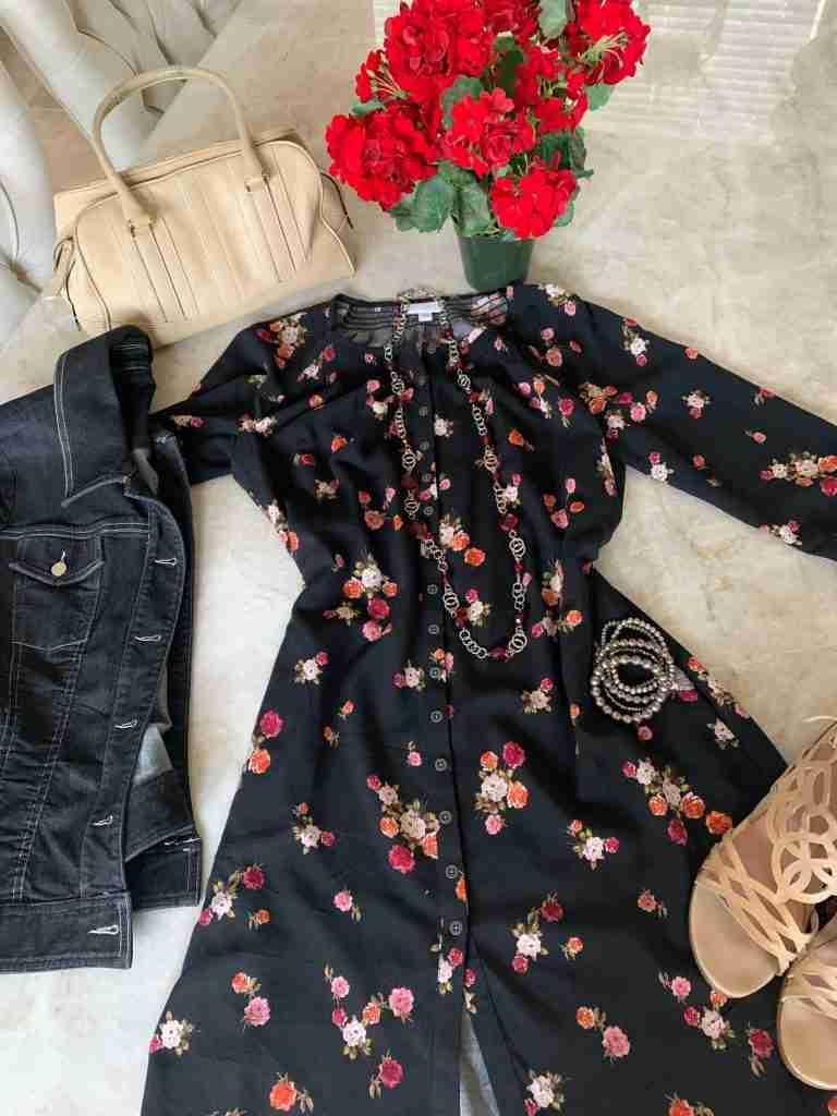 https://drjuliesfunlife.com/a-floral-dress-worn-two-different-ways/