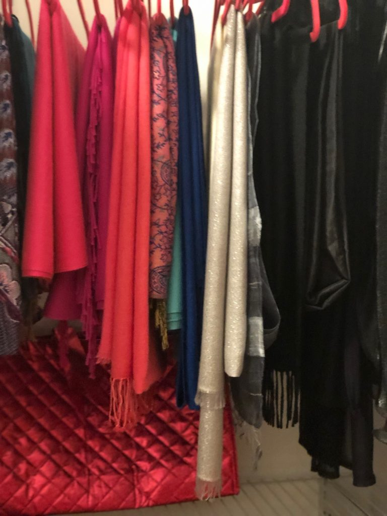 How to Organize Accessories in a Messy Closet